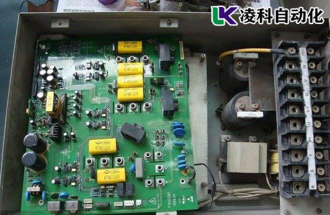 爱得利变频器维修上电显示PF01